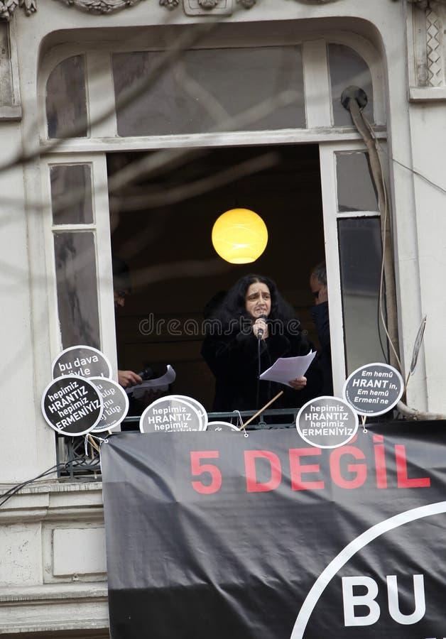 Karin Karakasli in de herdenking van Hrant Dink stock afbeelding