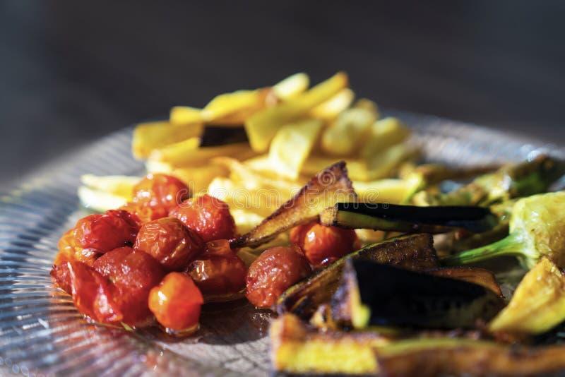 Karisik Kizartma - mieszanka sezonowi smażący warzywa Turecki cui zdjęcie royalty free
