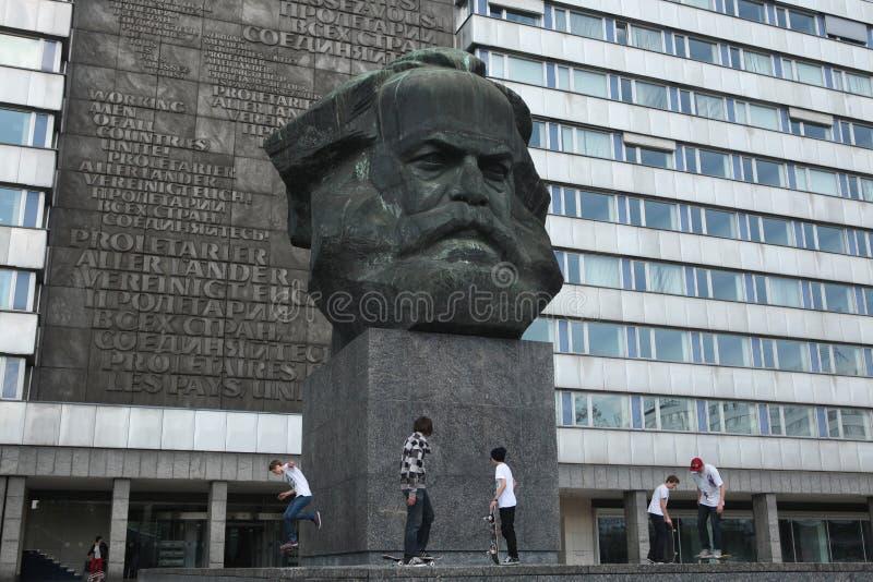Karl Marx Monument i Chemnitz, Sachsen, Tyskland arkivfoton