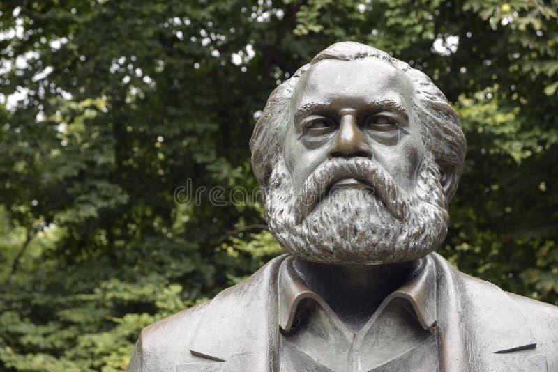 Karl Marx skulptur, detalj av monumentet i Marx-Engelsen-f royaltyfria bilder