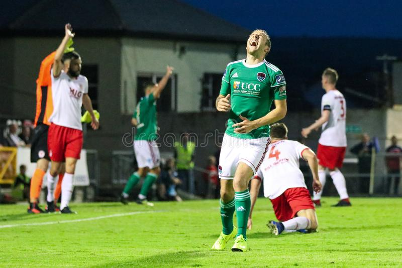 Karl Sheppard przy ligą Irlandia podziału Najważniejszy dopasowanie między Korkowym miastem FC vs St Patricks Sportowy FC obraz royalty free