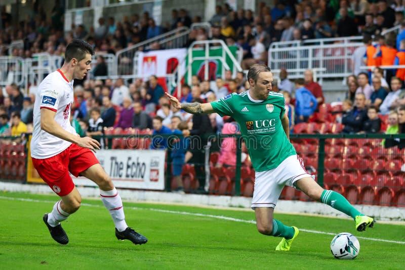 Karl Sheppard przy ligą Irlandia podziału Najważniejszy dopasowanie między Korkowym miastem FC vs St Patricks Sportowy FC obraz stock