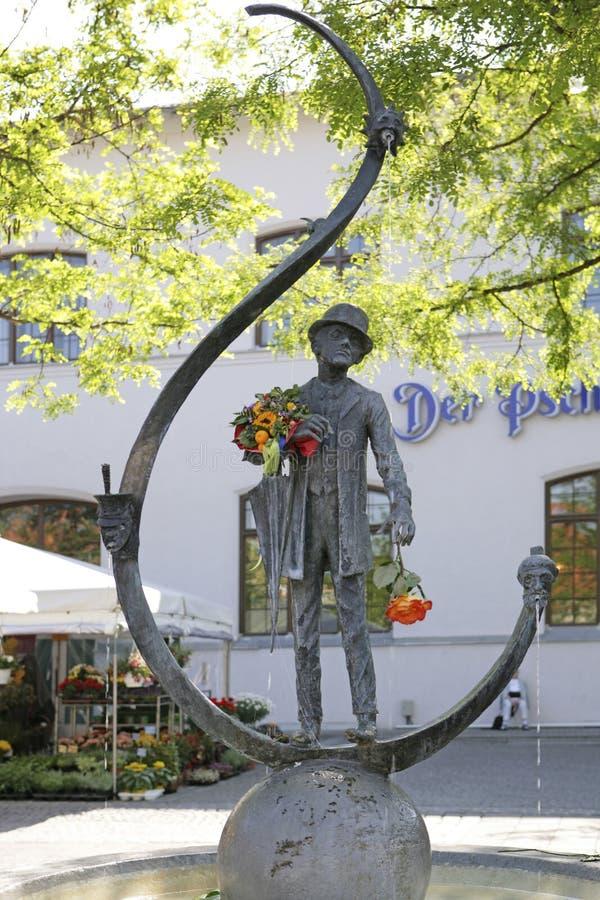 Karl Valentin Brunnen-fontein in Viktualienmarkt in München, Bav royalty-vrije stock afbeelding