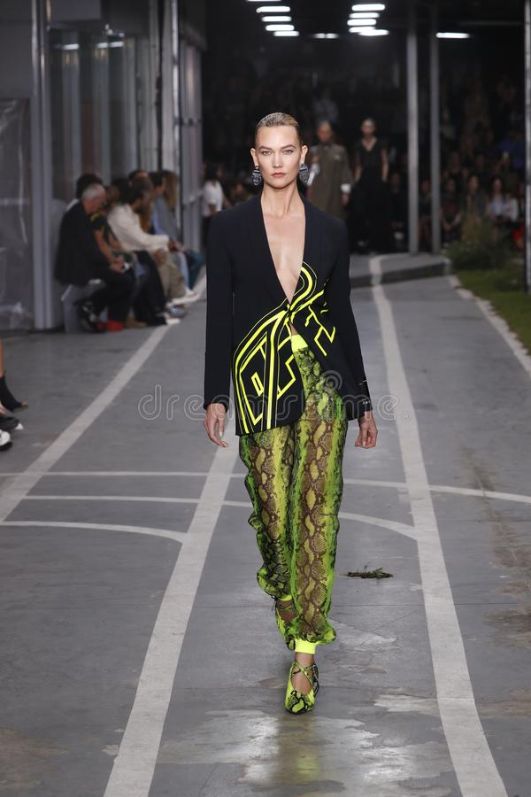 Karlie Kloss walks the runway during the Off-White show as part of Paris Fashion Week Womenswear Spring/Summer 2019. PARIS, FRANCE - SEPTEMBER 27: Karlie Kloss royalty free stock photography