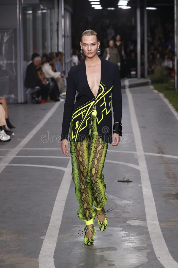 Karlie Kloss walks the runway during the Off-White show as part of Paris Fashion Week Womenswear Spring/Summer 2019. PARIS, FRANCE - SEPTEMBER 27: Karlie Kloss royalty free stock photos