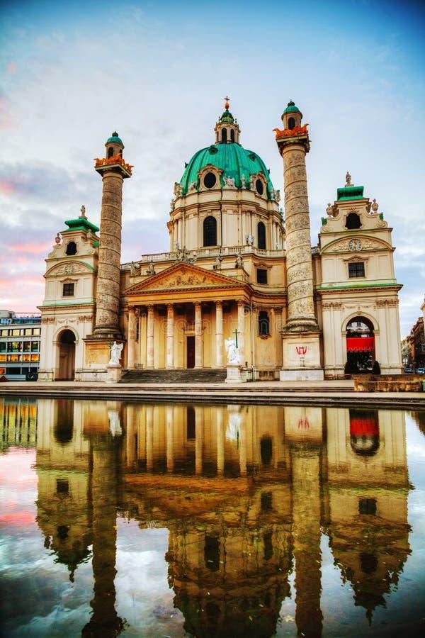Karlskirche à Vienne, Autriche pendant le matin images stock