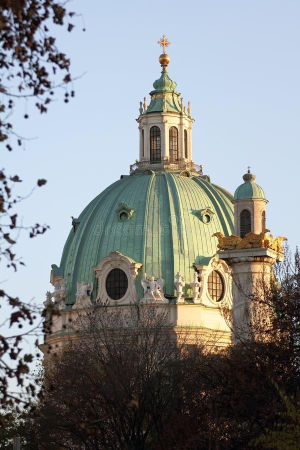 Karlskirche в Вена стоковые изображения rf