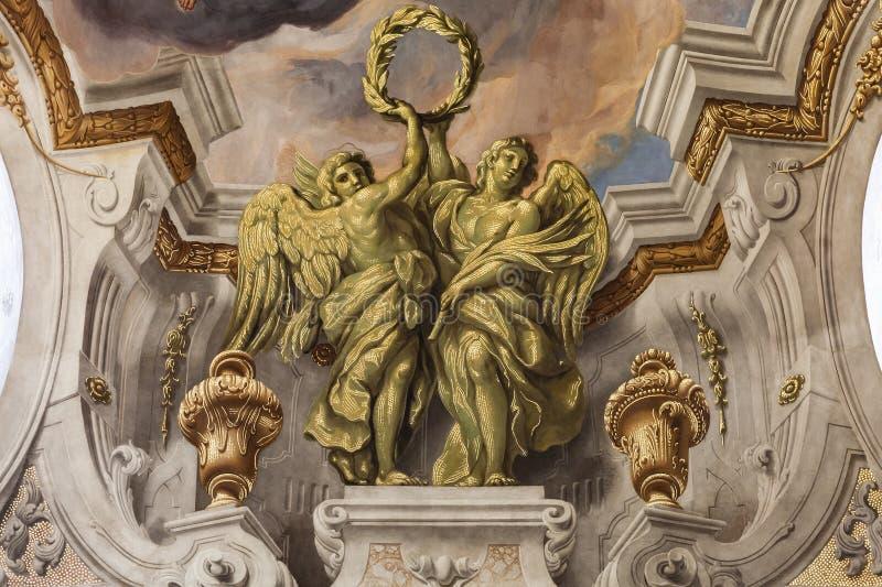 Karlskirche freskomålning, barockkyrka, Wien arkivbild
