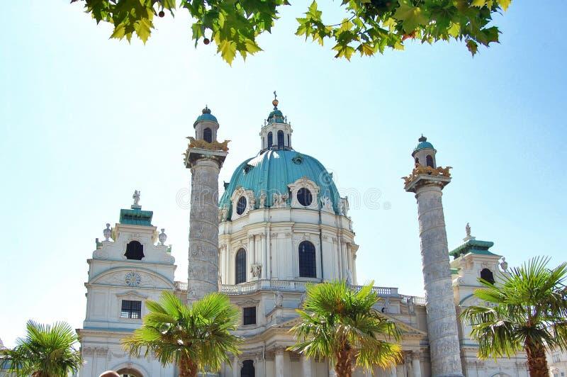 Karlskirche i Wien royaltyfri bild