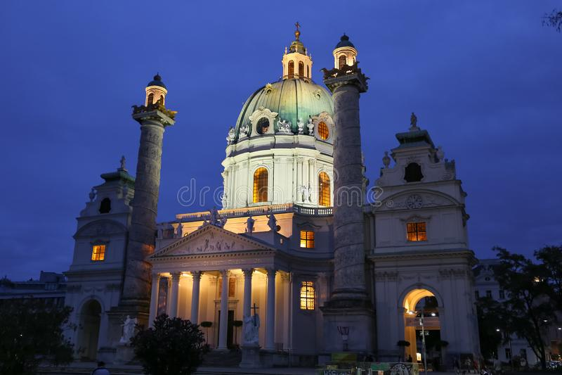 Karlskirche, St Charles Church in Wenen, Oostenrijk royalty-vrije stock foto
