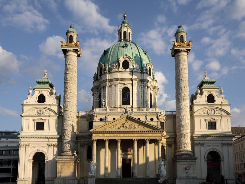 Karlskirche in Wien stockbilder
