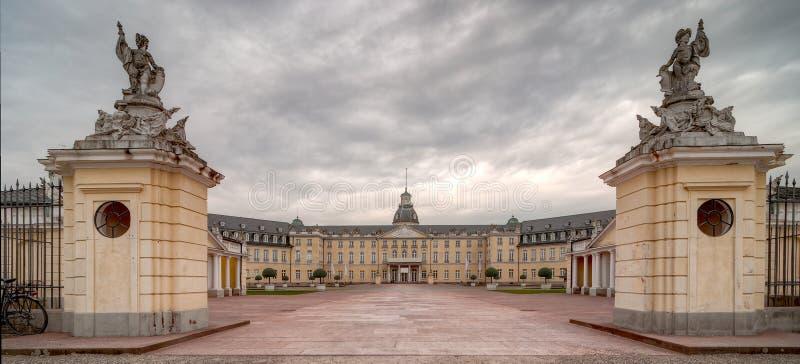 Karlsruhe-Palast stockbilder