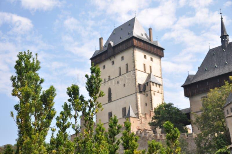 Karlstejnkasteel, in Tsjechische Republiek wordt gesitueerd die stock foto's