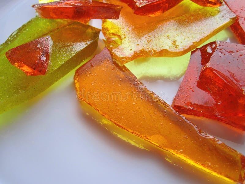 Karmel cukierki w talerzu zdjęcia stock