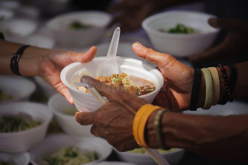 Karmić biedę ręki żebrak Ubóstwa pojęcie obrazy royalty free