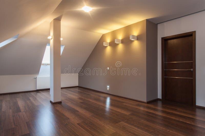 Karminrotes Haus - einziehend stockbilder