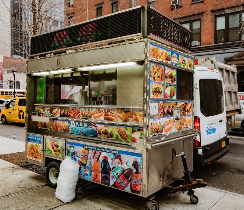 Karmowego sprzedawcy fura w Nowy Jork obrazy stock