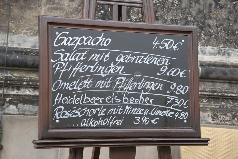 Karmowy menu w niemiec zdjęcie royalty free