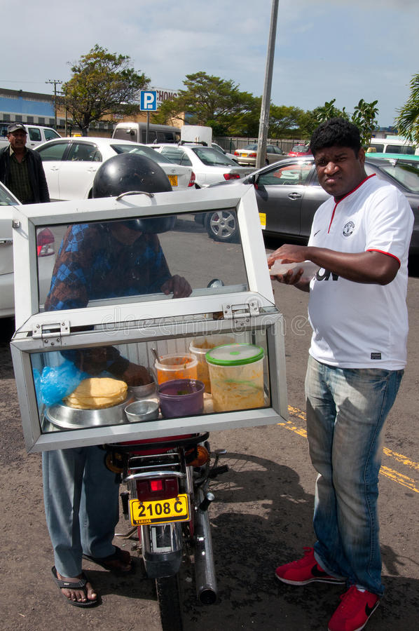 Karmowy sprzedawca w Flacq, Mauritius zdjęcia stock