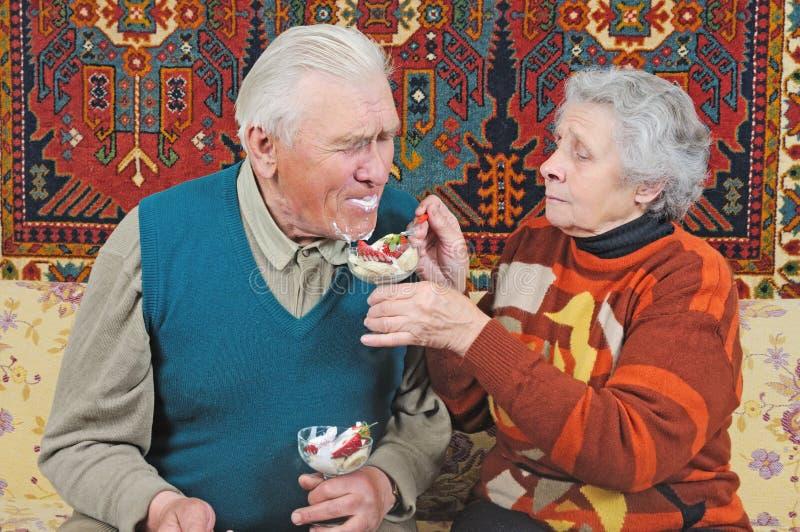 karmy mężczyzna stara kobieta fotografia royalty free