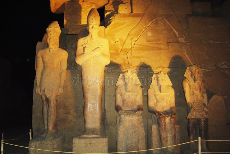 Karnak τή νύχτα στοκ εικόνα