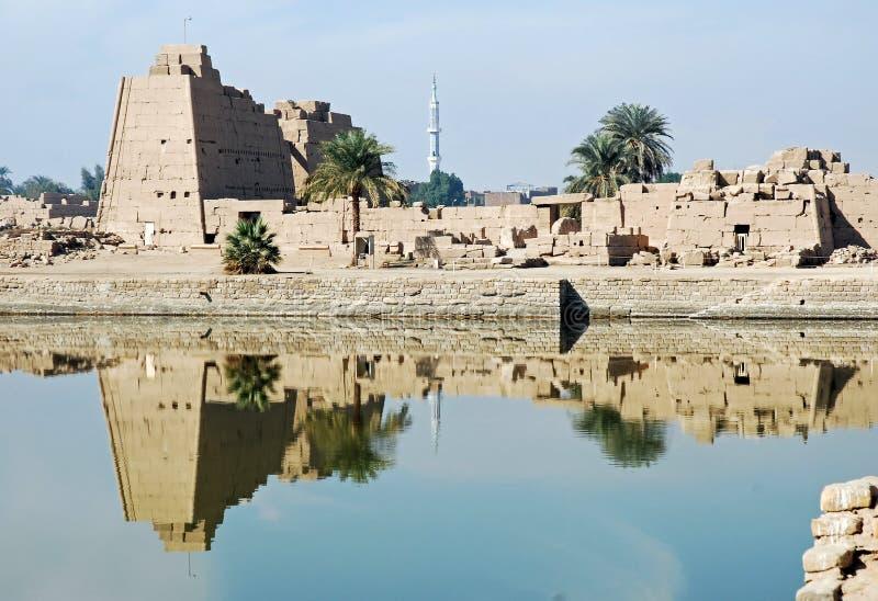 Karnak Tempelruinen vom heiligen See, Luxor stockfotos