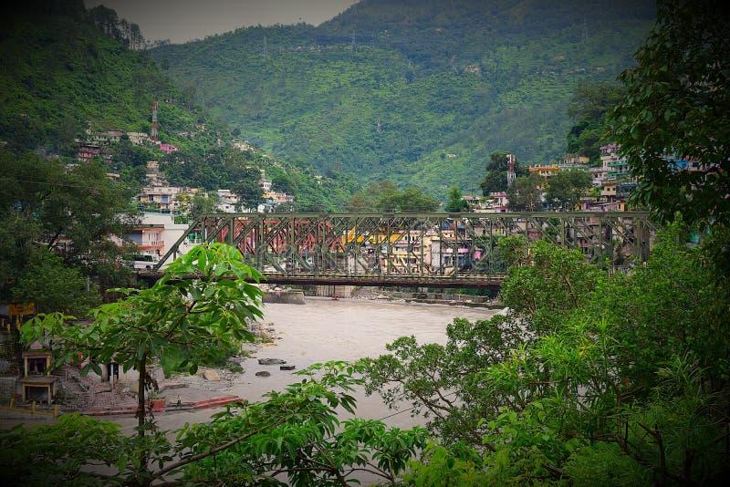 Karnaprayag stad, Uttarakhand, Indien royaltyfri bild