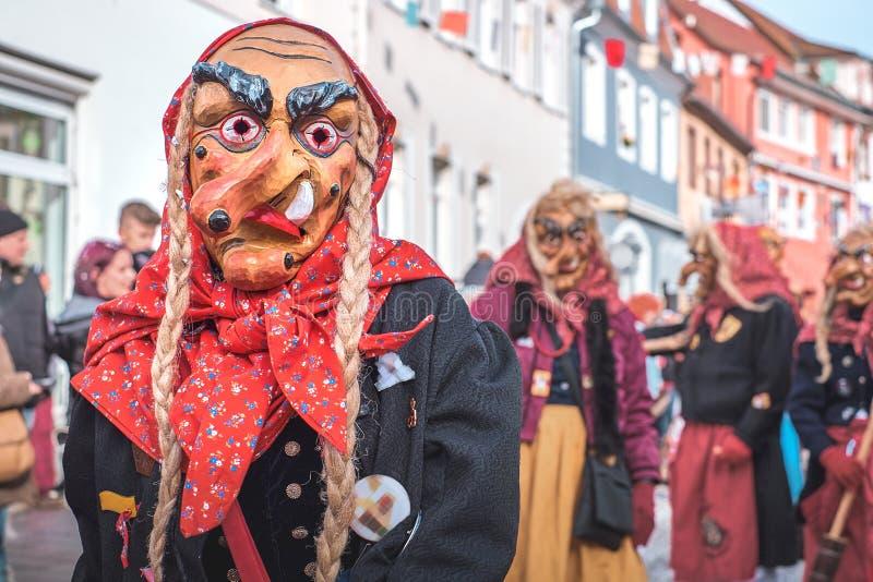 Karnawałowa postać z koślawym nosem i pigtails obrazy stock