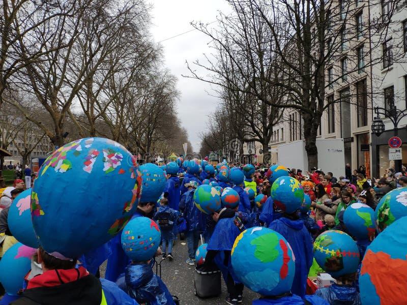 Karnawałowa uliczna parada zdjęcia royalty free