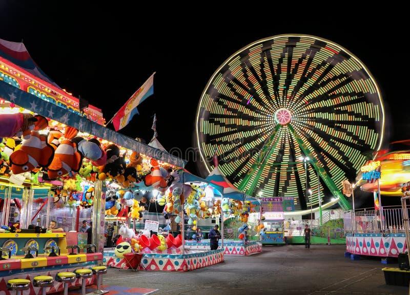 Karneval på natten arkivbilder