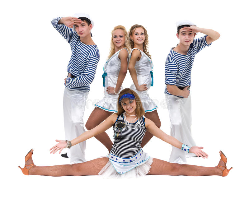 Karnevaldansarelag som kläs som sjömän Isolerat på oavkortad längd för vitbakgrund royaltyfria bilder
