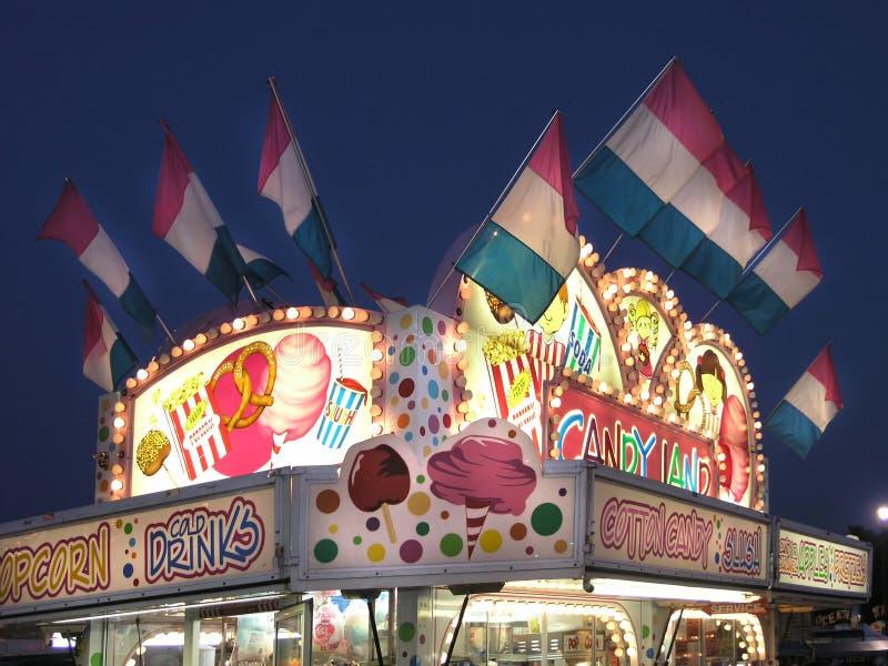 Karnevals-Standplatz-Zuckerwatte   lizenzfreie stockbilder