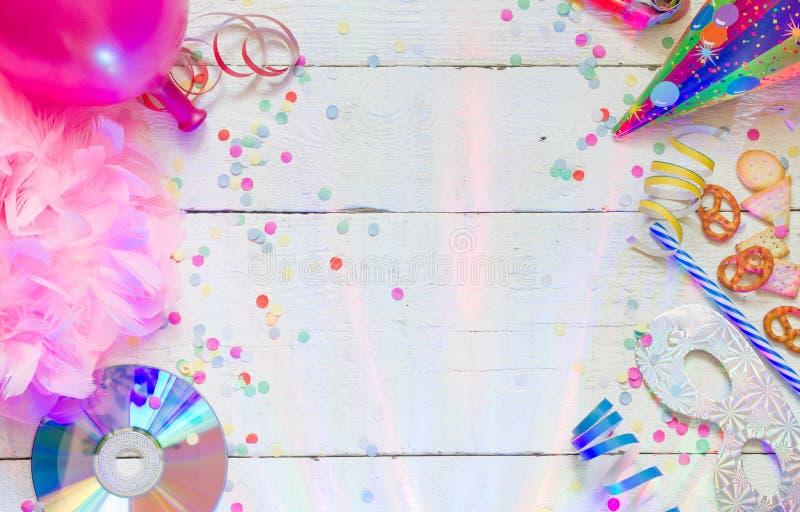 Karnevalsgeburtstagsfeier-Hintergrundkonzept stockfoto
