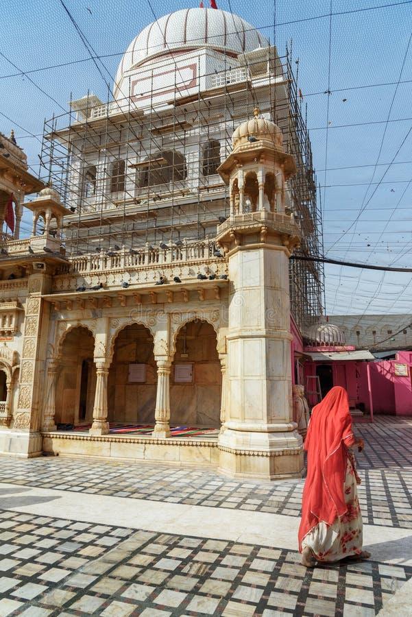 Karni Mata Temple o templo de las ratas en Deshnok Rajasth?n La India imágenes de archivo libres de regalías