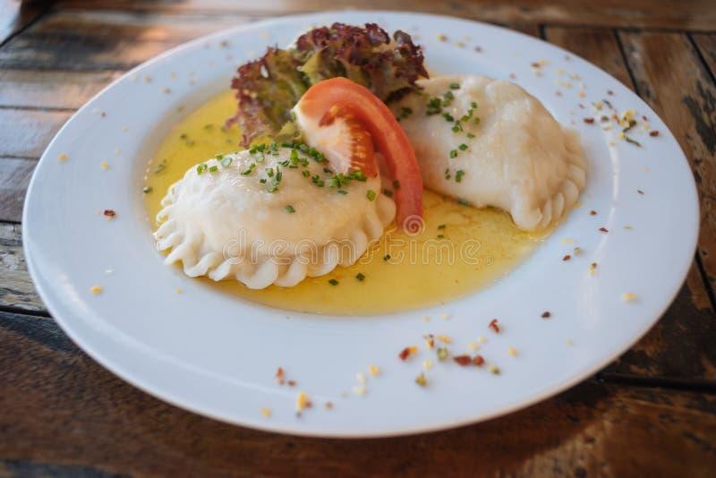 Karntner Kasnudeln ή αυστριακά νουντλς τυριών στοκ εικόνες με δικαίωμα ελεύθερης χρήσης