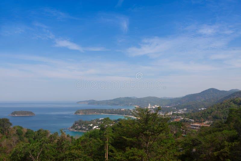 Karon strand, Kata Beach som tas från den Karon synvinkeln phuket thailand royaltyfri fotografi