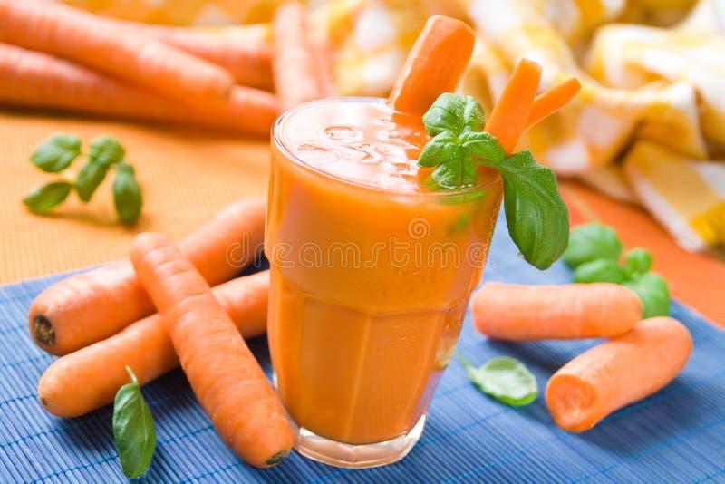 Karottensaft stockfotografie