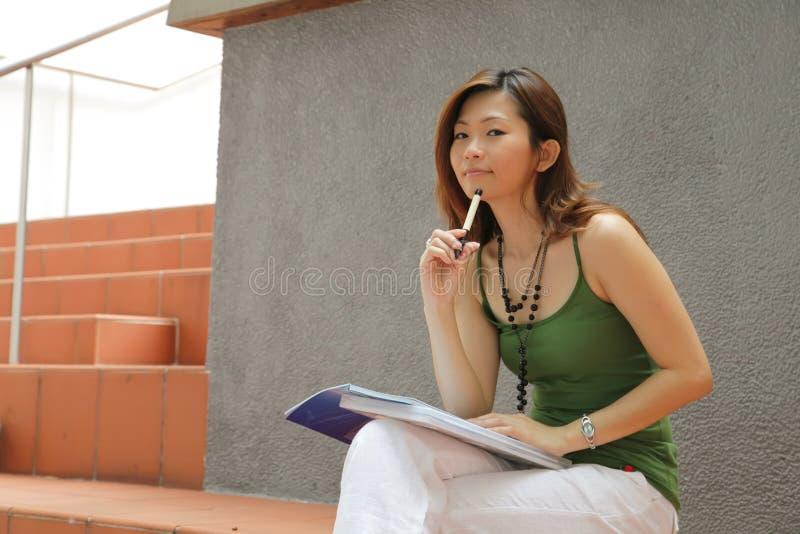 Karrierefrau lizenzfreie stockfotos