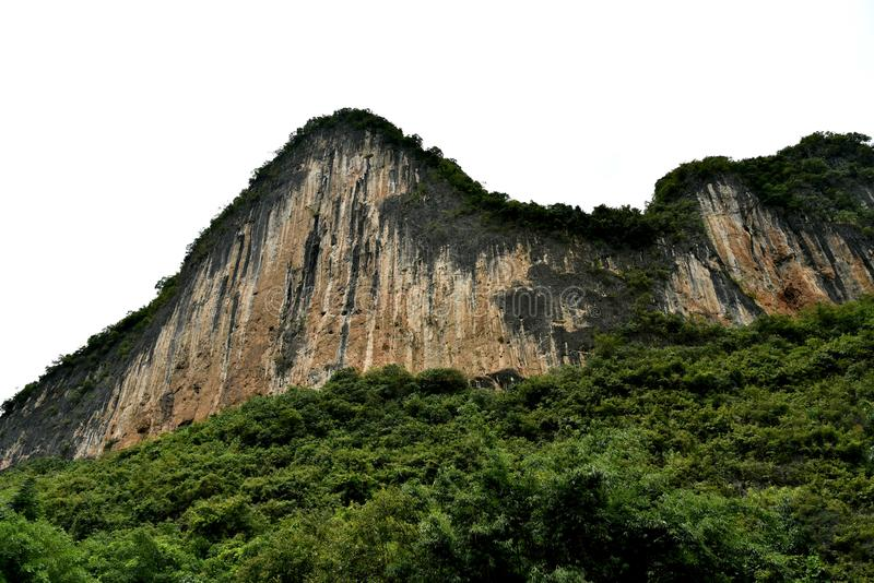 Karst moutain in yangsuo Grafschaft, Porzellan lizenzfreie stockfotos