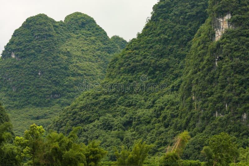Karstberglandschaft in Yangshuo China stockbilder