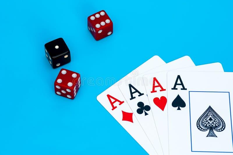 Karta do gry i dices obrazy stock