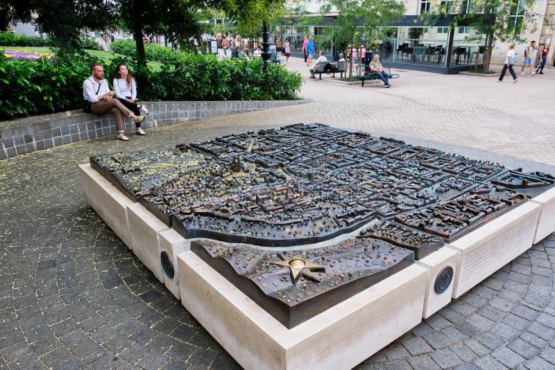 Karte des Metall 3D von Zagreb im Stadtplatz, Kroatien lizenzfreies stockfoto