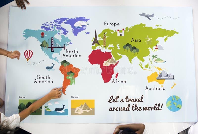 Karte, die Weltkontinent-Land-Ozean-Geografie zeigt lizenzfreies stockbild