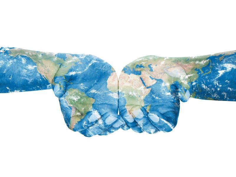 Karte gemalt auf Händen Konzept des Habens der Welt in unseren Händen stockfoto