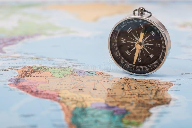 Karte mit Kompass stockbilder