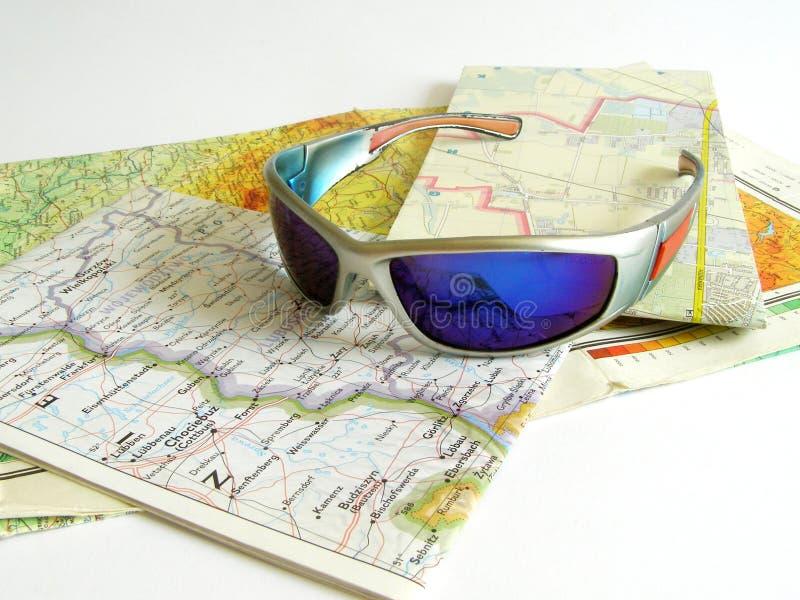 Karte und Gläser stockfoto