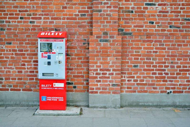 Kartenmaschine mit elektronischer Zahlung lizenzfreies stockfoto