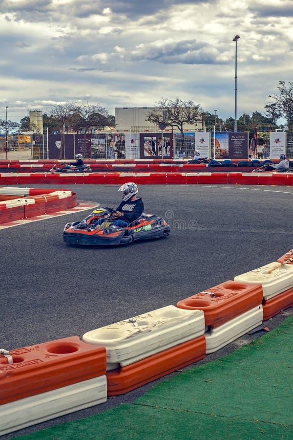 Karting racerbil i handling royaltyfria bilder