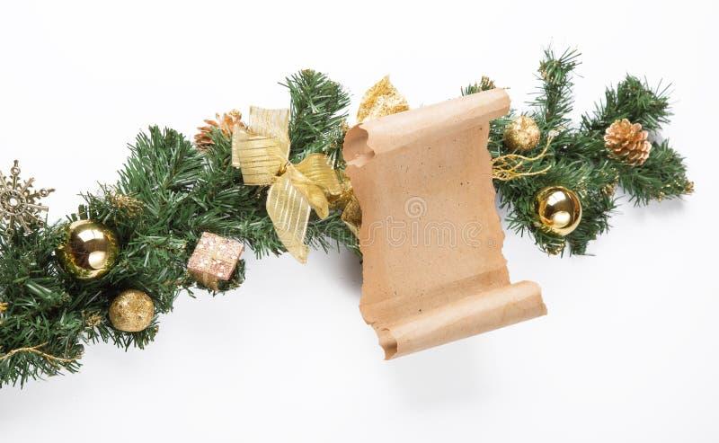 Kartka bożonarodzeniowa pergamin nad jedlinowym drzewem fotografia royalty free