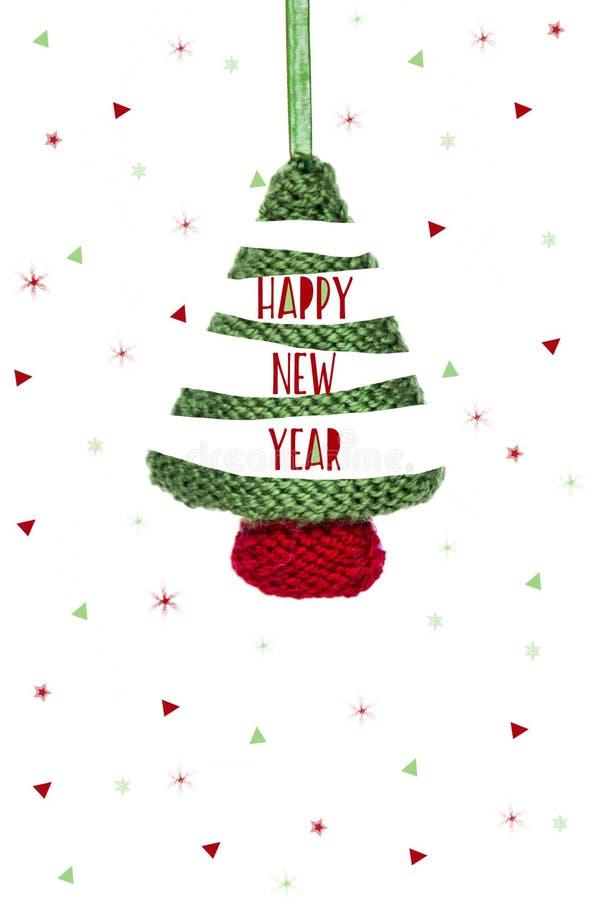 Kartka bożonarodzeniowa - trykotowy zielony drzewo, Bożenarodzeniowy bauble na białym tle royalty ilustracja